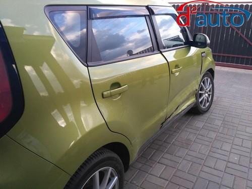 выкуп авто в Минске с выездом к клиенту в кратчайшие сроки, киа соул с поврежденными передней пассажирской дверью и передним правым крылом