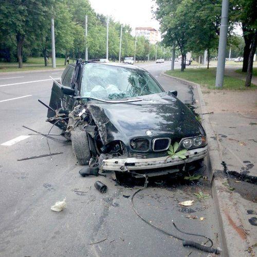 Продажа аварийного авто BMW
