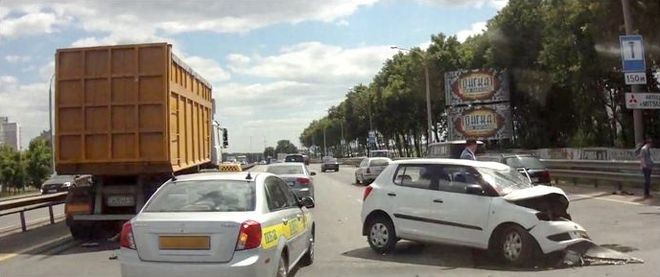 Аварийный авто Skoda в Беларуси на МКАД